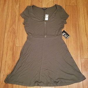*NWT* Express Green Dress Medium